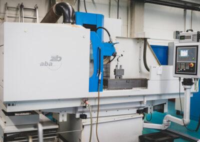 Fertigungsmaschine bei Procim Werkzeugbau